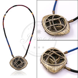 China Wunder stützt Amulett-Leuchtstoffglühen Doktor-Strange Necklace Eye Of Agamotto usine